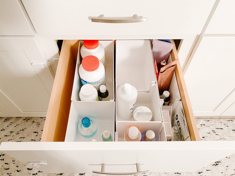 middle bathroom drawer with organizer bins