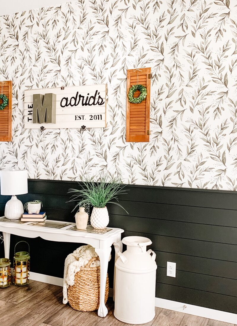 Entryway Peel and Stick Wallpaper
