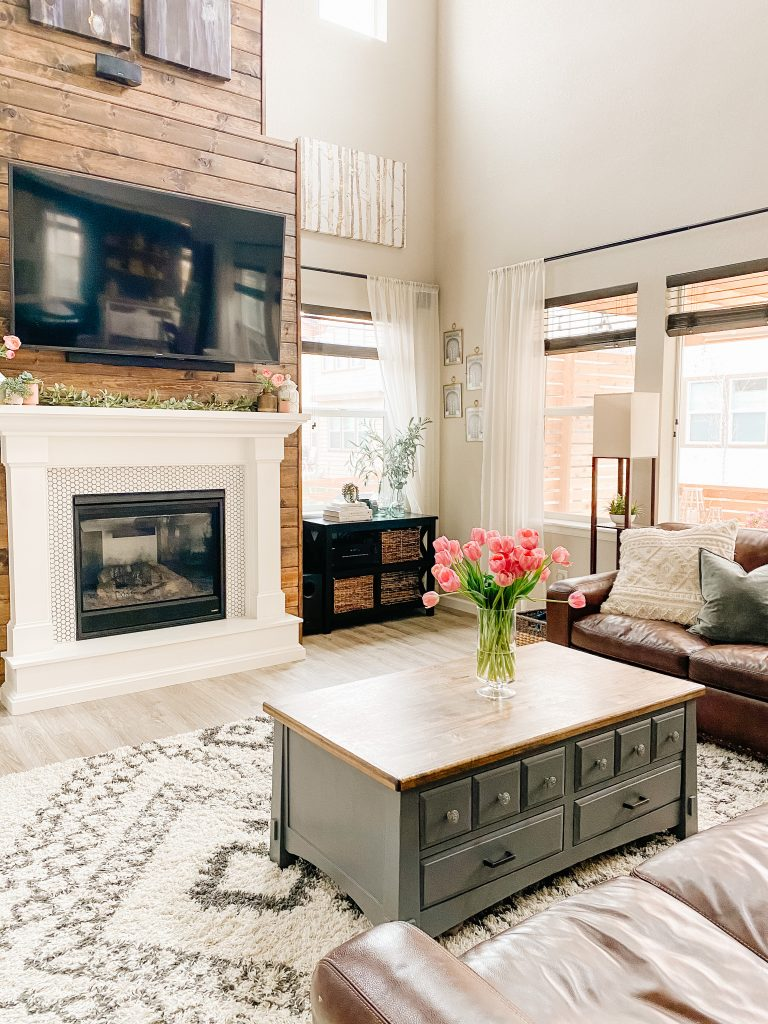 how to stage a house living room