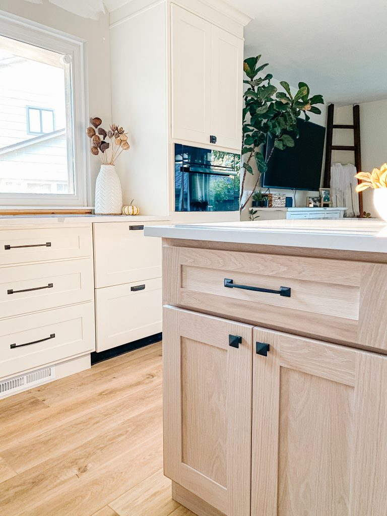 How to mix and match cabinet hardware with oil rubbed bronze kitchen cabinet knobs and pulls