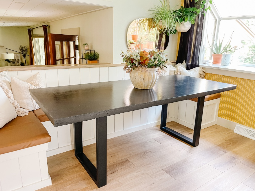 how to make a concrete dining table top with black metal legs