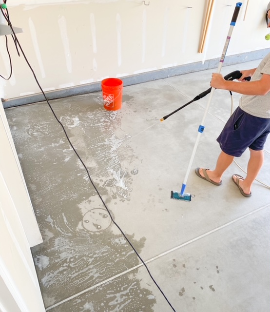 cleaning and degreasing garage floors before epoxy